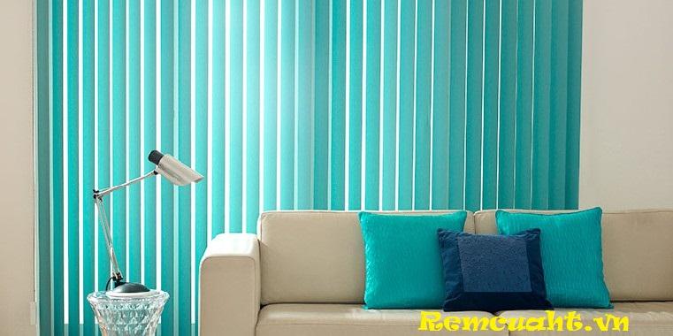 Rèm lá dọc màu xanh